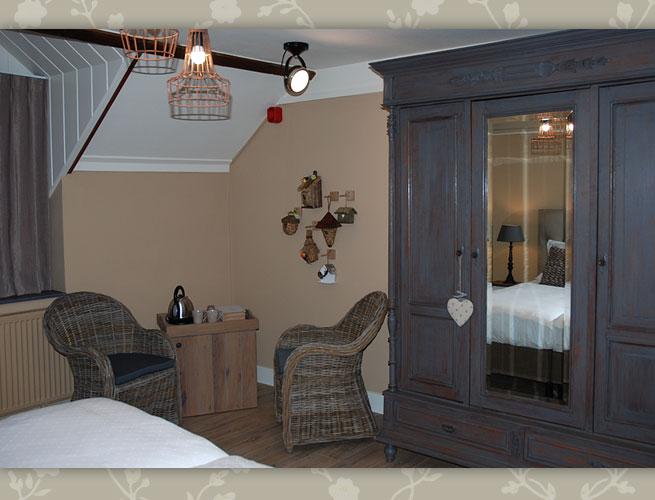 B&B VerdeSud Eijsden ZuidLimburg bed and breakfast 2persoons kamer juni